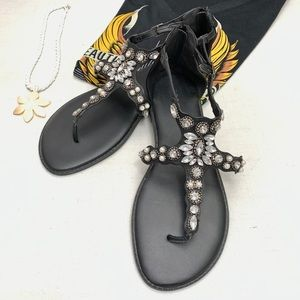 """Torrid"" blk rhinestone/pearl gladiator sandal- 11"